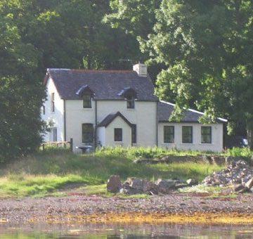 Shore Cottage Exterior 01